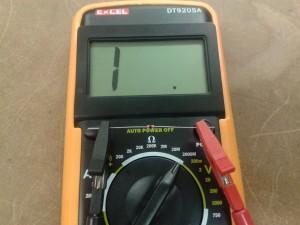 Comprobación de un DIAC midiendo Resistencia con un Polímetro Digital