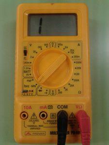 Comprobación de Diodos midiendo hFE de Transistor con un Polímetro Digital MÉTODO 2 1