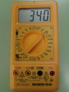 Comprobación de un Transistor NPN midiendo hFE de Transistor con un Polímetro Digital