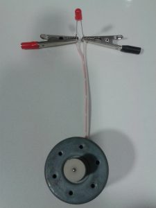 Comprobación de un LED con un Motor de CC