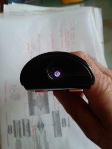 Punto poco luminoso o débil y pequeño: Mando a Distancia correcto y  Pilas poco descargadas y Cámara del móvil sin filtro de infrarrojos