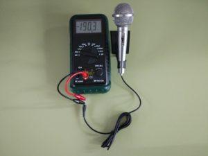 Comprobación de un Micrófono Dinámico (bobina móvil) con un Capacímetro